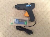 Mastercraft Glue Gun + 5 glue sticks