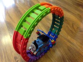 Thomas the tank engine - ultra care tomy Thomas The Tank: Loop The Loop