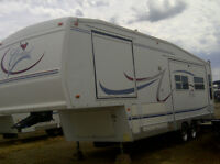 29.5 ft 5th wheel Forest River Cardinal Trailer (2003)
