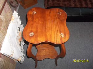 ANTIQUE ORNATE PLANT STAND IN SOLID OAK Kitchener / Waterloo Kitchener Area image 2