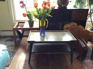 lovely two-tier mcm/mid-century/vintage coffee table!