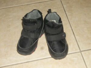 KIDS SNOW PANT AND SHOES