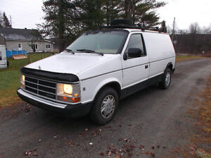 1985 Dodge Caravan mini camper better than class B NEW PRICE