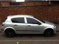 2005 vauxhall Astra 1.4 I silver with black alloys tinted windows