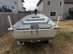 16 foot fishing boat