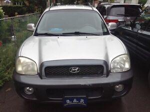 Hyundai santa fe  2300$