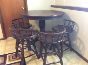 Costume made Solid wood. (Oak) table and chairs
