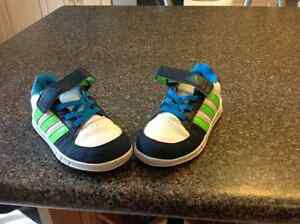 Adidas size 9 toddler great condition