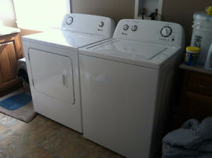 "Combo 27"" Washer&Dryer Amana White/Laveuse-sécheuse blanches"
