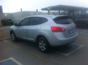 Nissan Rogue S.  FWD. 2013 / SUV