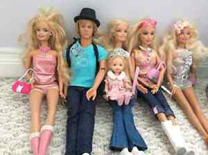 7 Barbies with pool and accessories for sale! Kitchener / Waterloo Kitchener Area image 4