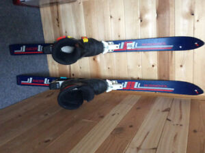 Kids skis bindings and boots