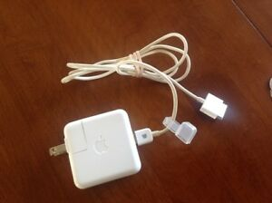 Apple iPod Power Adapter Charger / 30 pin cable