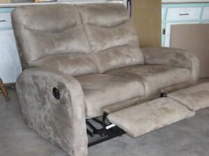 Couch that reclines