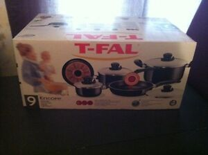 Brand new t-fal pot and pan set