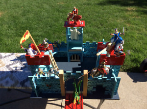 Foldable Wooden Castle With Knights/Horses/Wizard/Dragon etc...