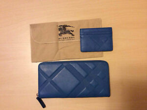 BURBERRY EMBOSSED CHECK LEATHER ZIPAROUND WALLET+CARD CASE Kitchener / Waterloo Kitchener Area image 4