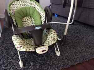 Graco Swing/Vibrating Chair Peterborough Peterborough Area image 3