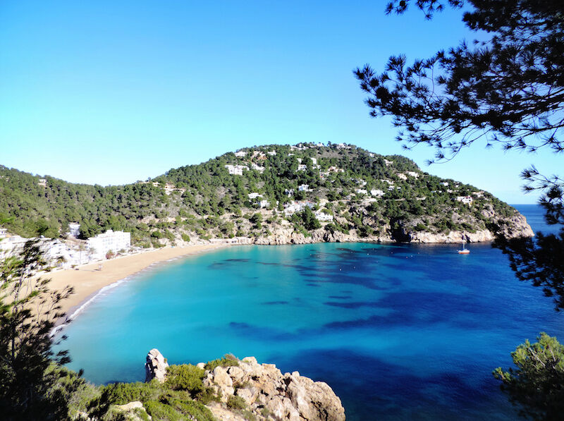 Cala San Vicente. Hier kann man den Strandtag mit Kultur verbinden. (Bild: Thinkstock via The Digitale)