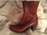 Ladies Leather Calf Length Ladies Boots, Size 5