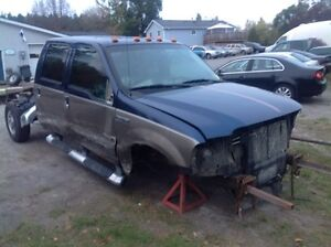 PARTING OUT 2006 F350 SUPERDUTY 6.0L POWERSTROKE 4x4 Peterborough Peterborough Area image 1