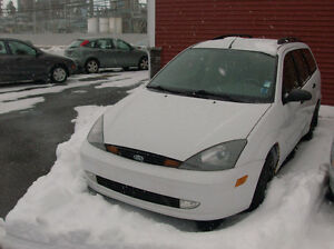 2004 FORD FOCUS WAGON LOW KMS $2954