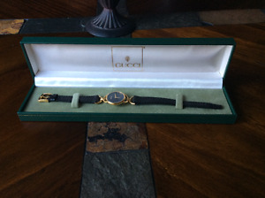 Authentic women Gucci watch