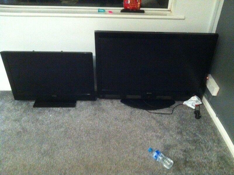 2 TV,z one 47 inch 1 32 inch