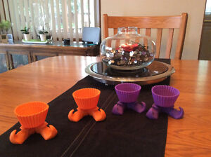 Halloween Wilton Witch silly feet silicone baking cups set of 4