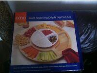 Revolving chip and dip set