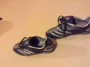 Adidas Women Soccer/Football Cleats/Shoes