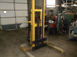 1500lb 12v hyd lift, parts, motor, engine, lift with wheels to