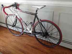 Full carbon road bike- perfect condition