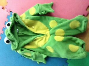 Children's Place Frog costume 6-12M