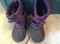 Oshkosh size 9 girls winter boots