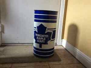 Leafs garbage can