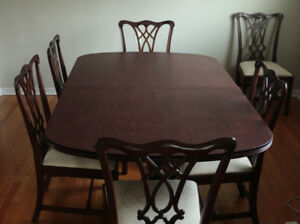 HenkelHarris Mahogany dining room table, 8 chairs, and sideboard
