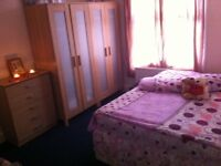 Lovely double room for single or couplein Brockley