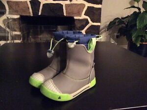 LITTLE KID'S ENCANTO WATERPROOF BOOTS 8