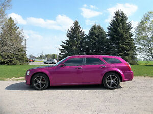 2008 Dodge Magnum SXT Wagon- WITH NEW HOT PINK WRAP!!