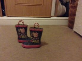 Peppa boots child's size 7