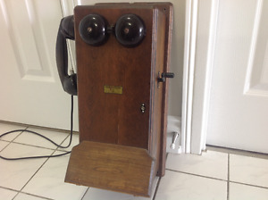 Northern Electric Antique Oak Wall  Phone