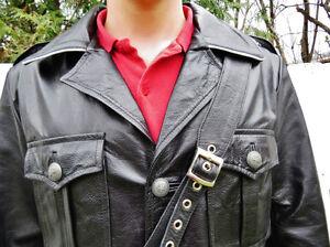 Manteau Militaire Allemand en cuir West Island Greater Montréal image 5