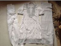 Indian Pakistan suit size: 36/8 used £3
