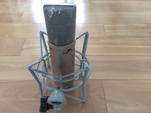 Microphone Condensor CM87  Made in Canada, Copy of Neumann U87