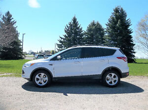 2013 Ford Escape SE Crossover- 4 BRAND NEW TIRES & ONLY $9750!!!
