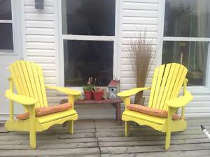 Chaises (2)  Adirondak en bois, solides et confortables