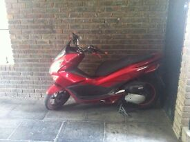 Pcx 125 sport with Leo vince super loud must look!!