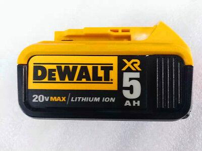Brand New  Dewalt 20V Max XR DCB205 5.0Ah   Li-ion battery