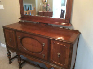 ANTIQUE CONSOLE SIDEBOARD - CABINET, A COLONIAL STYLE Kitchener / Waterloo Kitchener Area image 8